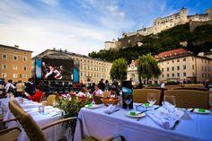 Ab dem 28. August genießen Sie wieder kulinarische Köstlichkeiten mit künstlerischen Highlights am Kaptielpaltz in Salbzurg Catering, Salzburg Austria, Restaurant, Dolores Park, Street View, City, Highlights, Travel, Banquet