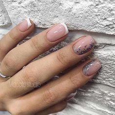 Want some ideas for wedding nail polish designs? This article is a collection of our favorite nail polish designs for your special day. Nude Nails, Nail Manicure, Manicures, Coffin Nails, Acrylic Nails, Natural Looking Nails, Natural Nails, Nails Ideias, Hair And Nails