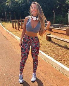 "4,234 Likes, 43 Comments - Gizélia Sarto (@gisartoo) on Instagram: ""Oieeee tô toda de @santadivalooks amando cada detalhe desse look #lookdodia #modaparameninas"""