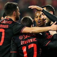 Benfica goleia Leixões e está também nas meias-finais da #tacadeportugal. O que dizem de @zivkovic17? @slbenfica (Foto: Lusa)