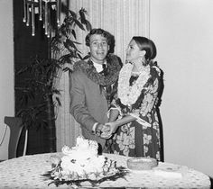Actor Ryan O'Neal and second wifem actress Leigh Taylor-Young, on their wedding day in Hawaii.  (Married 1967-1974, 1child.)
