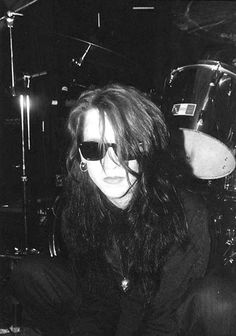 Listen to music from Christian Death like Romeo's Distress, Spiritual Cramp & more. Find the latest tracks, albums, and images from Christian Death. Vintage Goth, Punk Rock, Dark Wave, Goth Bands, Goth Music, Estilo Grunge, Estilo Rock, Look Man, New Romantics