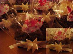 Origami decoration on llittle cakes.