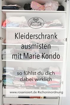Kleiderschrank ausmisten mit Marie Kondo – so ist es wirklich Clothe wardrobe and clean up with Marie Kondo. I've tested the KonMari Magic Cleaning method to get more order in the closet – here's how I felt about it Home Organisation, Closet Organization, Kitchen Organization, Lifehacks, Marie Kondo Konmari, Clean Out, Flylady, Tidy Up, Diy For Kids