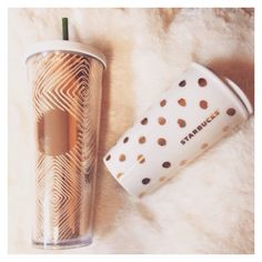 Kind of love with my new Starbucks cups 😍 Copo Starbucks, Starbucks Tumbler, Starbucks Drinks, Starbucks Coffee, Starbucks Bottles, Coffee Love, Coffee Cups, Thermos, Tumblr Cup