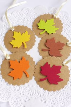 Round Scallop Fall Leaf Tags #Thanksgiving #Fallinlove #givethanks