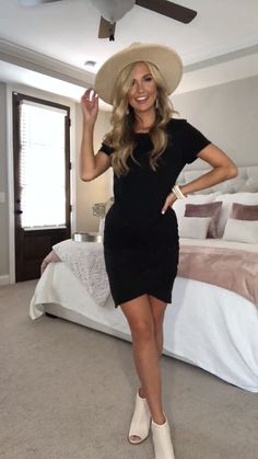 black dress Outfits - Give Me A Little Time Black Dress Black Dress Outfits, Black Midi Dress, Casual Dresses, Casual Outfits, Work Outfits, Black Dress Heels, Party Outfit Casual, Gray Outfits, Mini Dresses