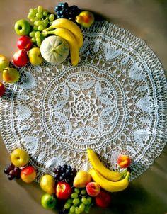 Uncinetto e crochet: Centro tavola all'uncinetto in cotone bianco - ninfea