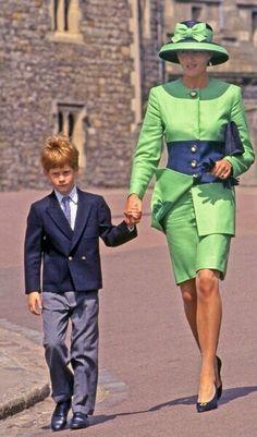 Princess Diana and Prince Harry ... Love her fashion
