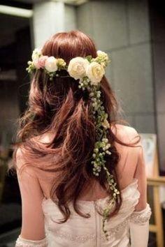花冠を使った花嫁ヘアスタイル・アレンジ画像集【結婚式・披露宴】 - NAVER まとめ