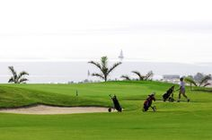 Playing golf on the Canary Islands, the sea is always present.