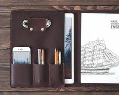 iPad Pro 12.9 pulgadas folio de cuero. Organizador de iPad y documento. caso de la iPad. Color marrón oscuro.