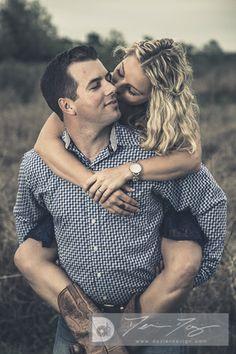 Engagement Pictures - www.dozierdesign.com