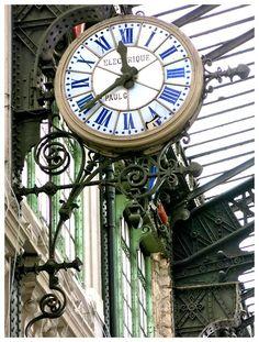 Keepin' time in Paris