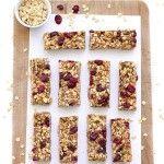 Healthy No-Bake Granola Bars. These healthy no-bake granola bars are vegan gluten-free and refined sugar-free. Granola Barre, No Bake Granola Bars, Homemade Granola Bars, Healthy Granola Bars, Healthy Baking, Healthy Snacks, Protein Snacks, Lunch Snacks, Healthy Breakfasts