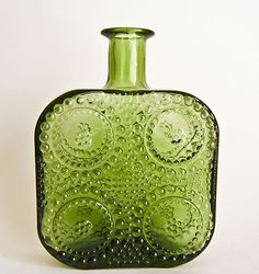 Retro RIIHIMAKI RIIHIMAEN Grapponia Art Glass By NANNY STILL Green Glass Bottles, Old Bottles, Vaseline Glass, Glass Design, Scandinavian Design, Finland, Depression, Glass Art, Stones