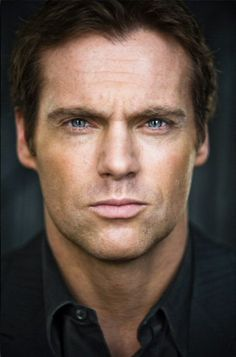 mmmm hello Michael Shanks! what is it about rugged men *drool*