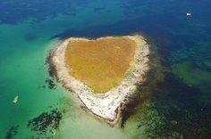 Ile Drenec, les Glénan - Drenec island... not as pretty as mine but still cool ....L