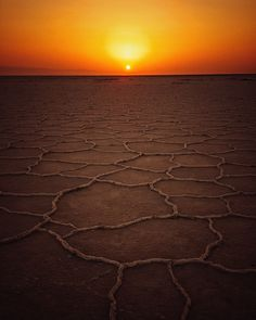 dried land at golden hour photo – Free Nature Image on Unsplash Nature Images, Nature Photos, Sun Activity, Black Soil, Treading Water, Fear Of Love, Waves Photography, Nasa Photos, Save The Planet