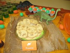 Fossil cookies at a Dinosaur Party #dinosaur #partycookies