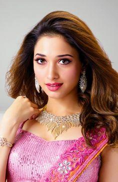 Tamanna Bhatia looking absolutely stunning Beautiful Bollywood Actress, Most Beautiful Indian Actress, Beautiful Actresses, South Indian Actress Photo, Indian Actress Photos, Indian Actresses, India Beauty, Asian Beauty, Tamanna Hot Images
