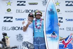 2011 Pipe Masters winner, Kieren Perrow with surfing legend, Gerry Lopez and the Pipe Masters trophy surfboard by Phil Roberts Julian Wilson, John John Florence, World Surf League, Surfboard Art, Iconic Photos, Surfers, Pipes, Special Events