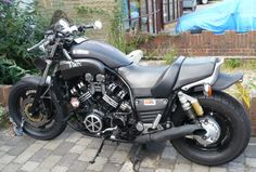 My old modded V-Max. Adjusted geometry, uprated suspension, bored-out and full-time V-boosted. I loved this one.
