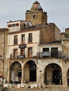 http://guias-viajar.com/ Plaza Mayor de Trujillo en Extremadura