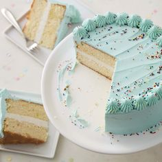 Learn how to make a cake with Wilton's basic cake recipe. A quick and easy homemade yellow cake to impress your guests. Basic Yellow Cake Recipe, Basic Cake, Pretty Cakes, Cute Cakes, Food Cakes, Cupcake Cakes, Yummy Treats, Sweet Treats, Cute Birthday Cakes