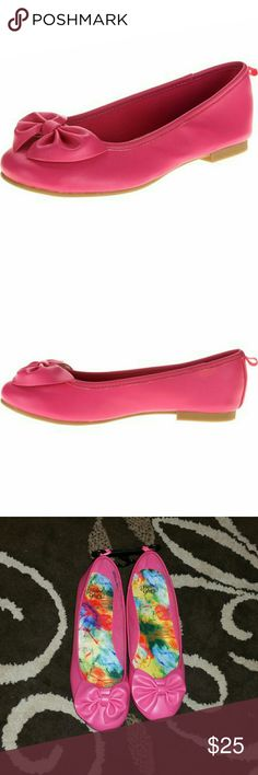 Faded Glory Girl Bow Flats Faded Glory Girl Bow Flats. Size 6  Color pink  Brand new. Never worn. NWOT. Very nice looking shoes. Great flats/shoes for this spring/summer. Have any questions before purchase. Just ask and I'll try to answer!!! Faded Glory Shoes Dress Shoes
