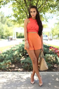 The Beauty Bybel Carli Bybel The Fashion Bybel Casual Outfits, Summer Outfits, Cute Outfits, Fashion Outfits, Fashion Trends, Coral Fashion, Summer Ootd, Short Outfits, Fashion Design