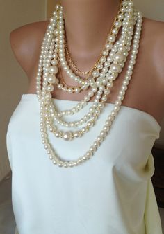 Enorme perla collana, abiti da sposa a mano partito perle Collana multitrefolo nozze di HMbySemraAscioglu su Etsy https://www.etsy.com/it/listing/111758303/enorme-perla-collana-abiti-da-sposa-a