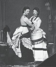 1870s : Princess Alexandra and Princess Dagmar of Denmark
