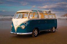 Classic Camper Van - Volkswagen I will have this please! Vw Camper Bus, Vw Caravan, Volkswagen Transporter, Transporteur Volkswagen, Volkswagen Models, Wolkswagen Van, Carros Vw, Combi Ww, T1 Samba