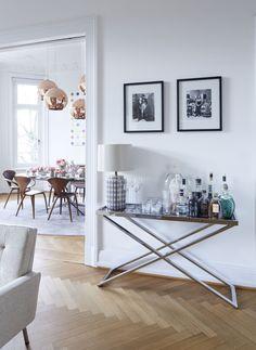 """Hausbar: """"Herzlich Willkommen"""" von Stefanie Luxat ©Bernd Ebsen"""