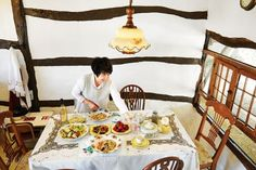 충남 서천 오미숙 씨의 두고두고 잘 고른 다정한 村집 : COUNTRY HOUSE : 네이버 포스트 Toddler Bed, Table, Furniture, Color, Home Decor, Child Bed, Decoration Home, Room Decor, Colour