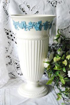 ウェッジウッド・クイーンズウェア 花瓶