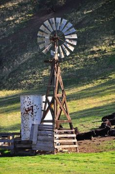 Windmill on the farm….Country Woman At Heart Windmill on the farm….Country Woman At Heart Country Farm, Country Life, Country Living, Farm Windmill, Blowin' In The Wind, Old Windmills, Westerns, Country Scenes, Farms Living