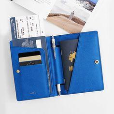 invite.L - Passport Case