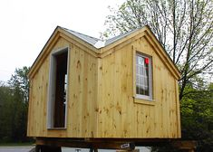 12x12 Cross Gable Cottage. Example shows 4 season package. Standard available as Plans, Kits - 44 hours + Fully Assembled in the northeast. Kits ship *Free in the continental US + eastern Canada. http://jamaicacottageshop.com/shop/cross-gable/ http://jamaicacottageshop.com/free-shipping/ #jamaicacottageshop