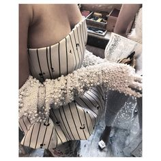 """Mi piace"": 2,000, commenti: 27 - Elisa Bellino THELADYCRACY.IT (@elisabellino) su Instagram: ""Chips? @giuseppedimorabito_official #igersmilano #milanomoda #ss18 #luxuryblogger…"""