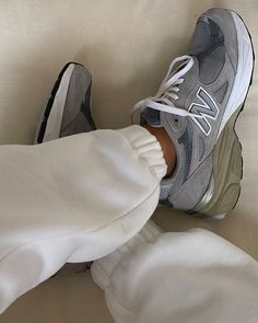 Sneakers Fashion, Fashion Shoes, Fashion Outfits, Shoes Heels, Pumps, Hot Shoes, High Heels, Brown Aesthetic, New Balance Shoes