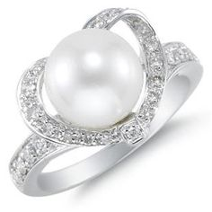 I love pearls! Future engagement ring??