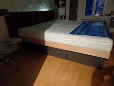 Nussbaum massiv-Buche massiv hinterleuchtet-(Bei Nacht) - Megaschlaf BIO-Wasserbett - High-End Wasserbetten