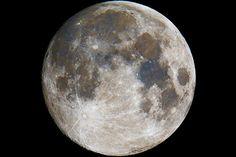 """Fotógrafo registra """"Lua Azul"""" e coloca mito em dúvida"""
