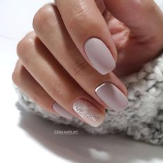 If you're looking to do seasonal nail art, spring is a great time to do so. The springtime is all about color, which means bright colors and pastels are becoming popular again for nail art. These types of colors allow you to create gorgeous nail art. Bridal Nails Designs, Wedding Nails Design, Nail Art Designs, Nail Design, Shellac Nails, Matte Nails, Acrylic Nails, Perfect Nails, Gorgeous Nails