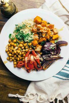 Harissa Veggie Bowl: vegan, vegetarian, gluten-free power bowl that's perfect for an easy weeknight dinner. Vegan Recipes Videos, Vegan Recipes Easy, Veggie Recipes, Whole Food Recipes, Vegetarian Recipes, Dinner Recipes, Vegan Vegetarian, Free Recipes, Vegan Soups