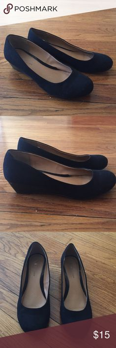 Chinese Laundry Black Suede Wedges These low wedges are great for work and transitioning to evening! Chinese Laundry Shoes Wedges