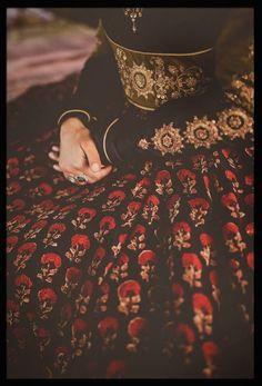 a black embrodery lehnga
