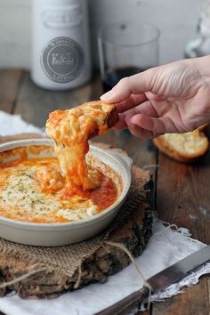 {whoa} Provoleta (provolone baked with herbs & tomato sauce) Lau grown up cheese snack Italian Recipes, Mexican Food Recipes, Vegetarian Recipes, Cooking Recipes, Food Porn, Good Food, Yummy Food, Snacks, Food And Drink